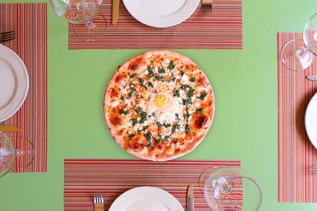 Salcë domate, mocarela, ricota, spinaq, vezë