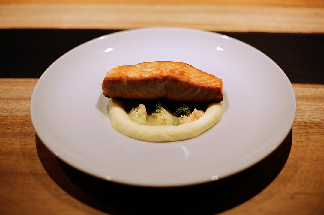 Fagotini me salmon dhe pistachio