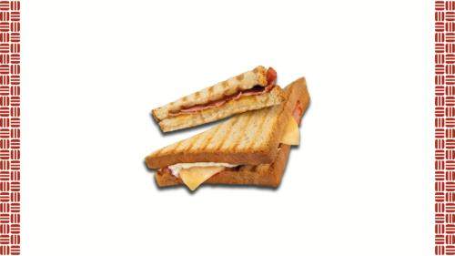 Bukë tosti, majonezë star, proshutë zampon, djathë amerlandër.