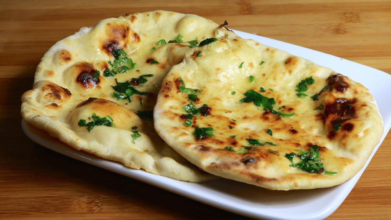 Pite me miell të bardhë e pjekur me gjalpë