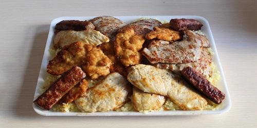Pilaf, biftek, fileto pule, kotoletë pule, qofte