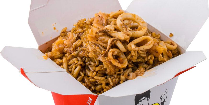 Oriz, kallamar, kimchi, salcë pikante