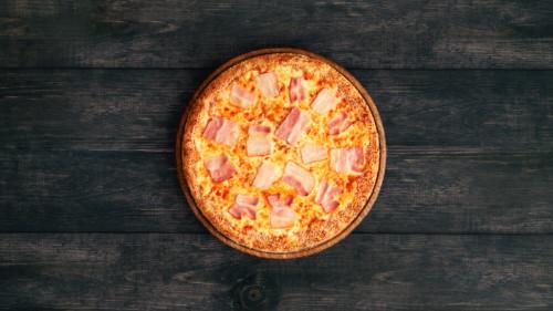 Salcë e marinuar, susam, djathë proper, bacon