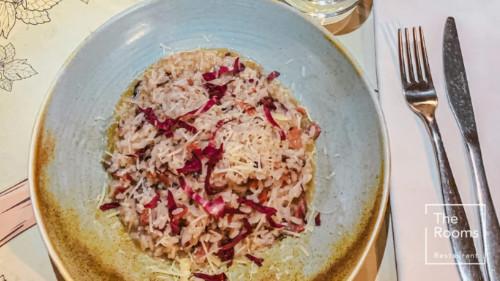 Oriz scotti, proshutë speck, radichio, grana, erëza, vaj ulliri