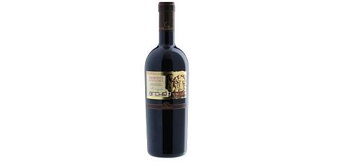 Verë e kuqe, me strukturë të përqëndruar dhe me aroma komplekse. Një super Primitivo.