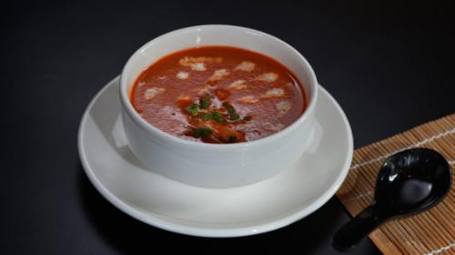 Supë domate, karkalec, qumesht kokosi