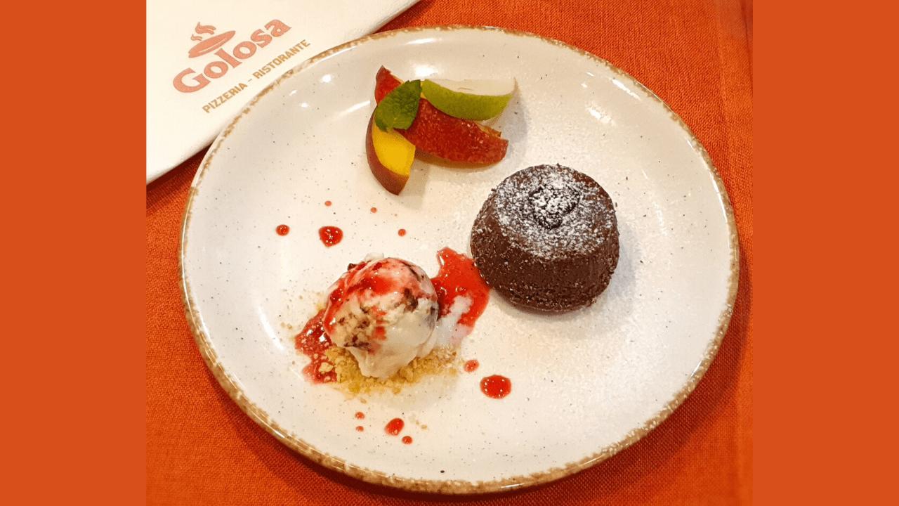 Souffle me çokollatë dhe akullore