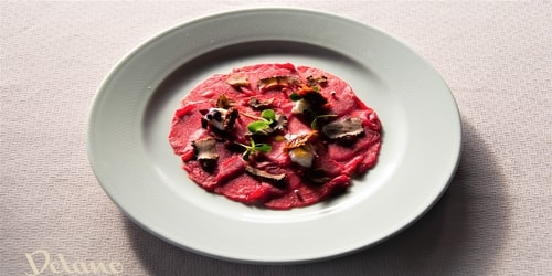 Fileto viçi, straçatela burrate dhe tartuf i freskët