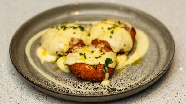 Tartuf, mozzarella, salcë djathi