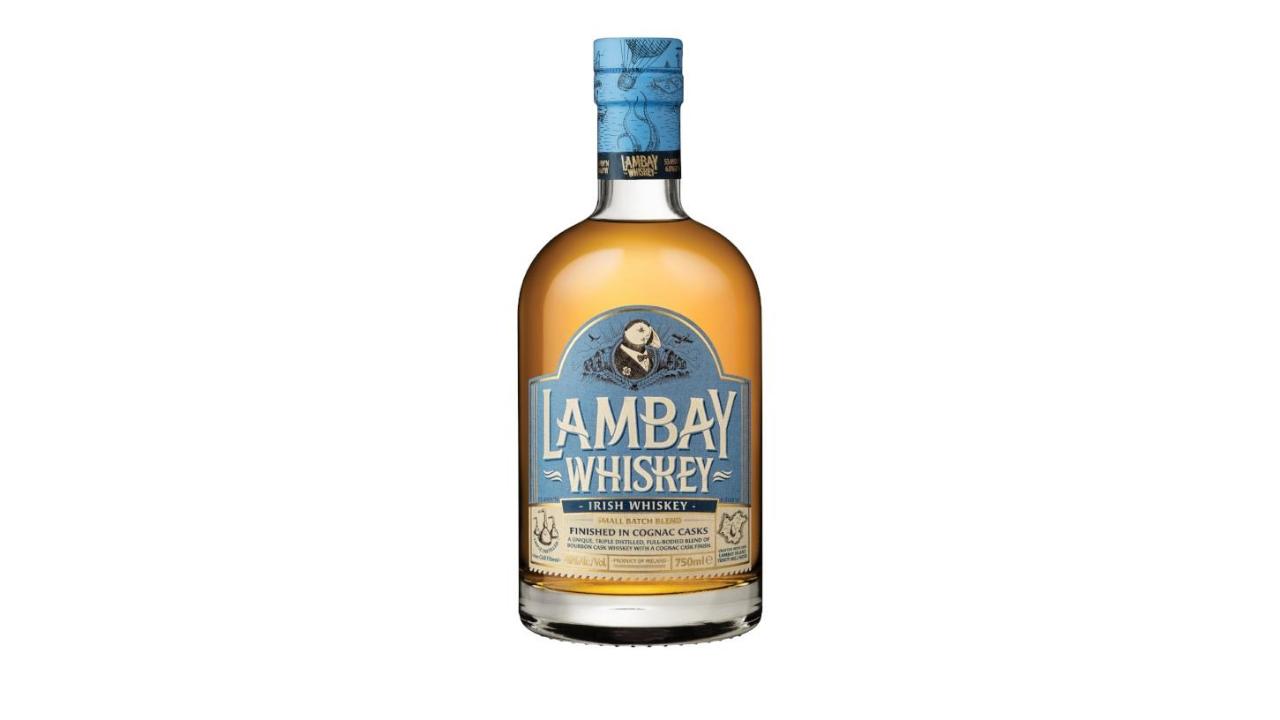 Lambay Small Batch është një përzierje whiski i vjetëruar në fuçi Bourbon me një fund të këndshëm konjak. Ka ndjesi të maltit, bajameve, piperit dhe të butit ku vjetërohet konjaku, ka karakteristika po aq unike sa vetë ishullit Lambay, është trefish i punuar me ujë të ishullit Lambay.
