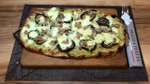 Krem patate, mocarela, salçiçe e freskët italiane, patëllxhanë, grana padano