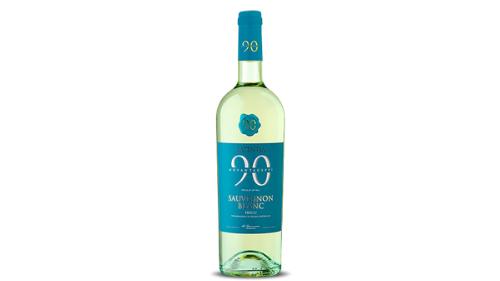 Verë e bardhë, kantina Novantaceppi, zona e prodhimit Friuli, Itali. Shije intense me nota tropikale. Aromat e pjeprit, boronicave dhe agrumeve te pjekura e bejne ate nje vere te shkelqyeshme per cdo rast. Shkon me se miri me antipasta, peshk dhe prodhime deti, 12.5 vol, viti 2020