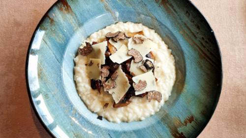Oriz me tartuf të freskët, kërpudha, parmigiano