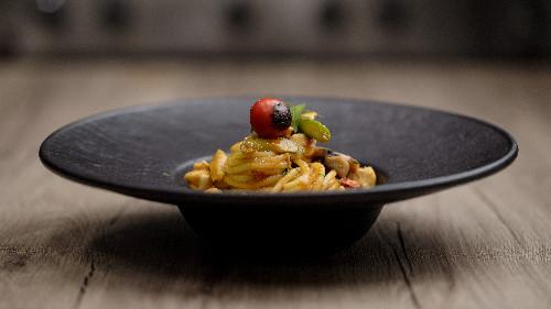 Fileto pule, shampinjon, asparagus, domate, pesto genoveze ( tagliatellle, linguine, spaghetti, penne, fusili )