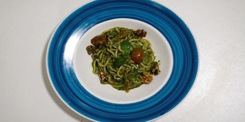 Spaghetti me pesto dhe arra