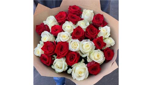 Buqetë mix roses
