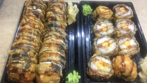 Salmon tempura hot 8, karkalec tempura hot 8, ton spicy hot 8