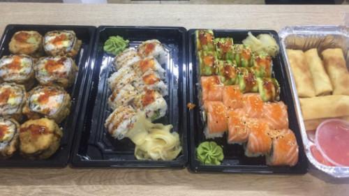 Salmon tempura hot 8, philadelphia chef 8, spring rolls 8, tirona roll 8, california roll 4, salmon classic 4