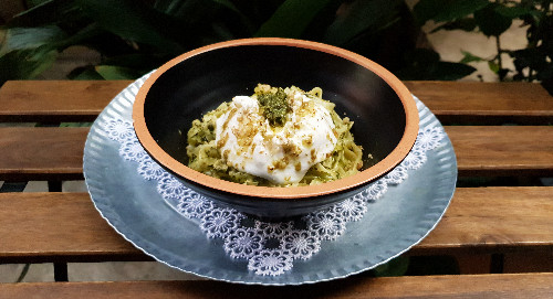 Pesto, burrata