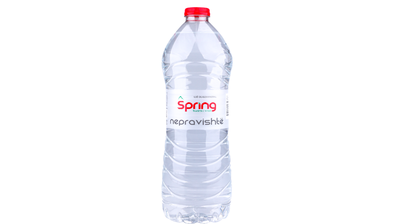 Ujë natyral