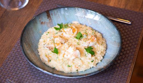 Flex tartufi të freskët, gjalp karkaleci dhe erëza të freskëta